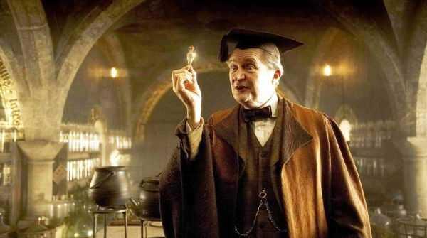 Jim Broadbent, il professor Lumacorno nel Trono di Spade